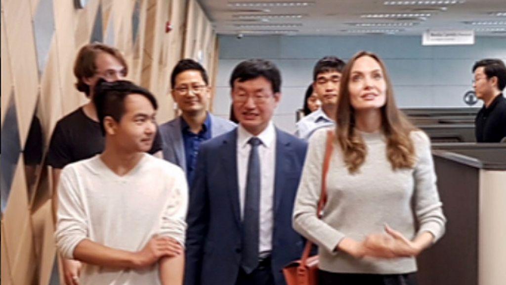 Anak Tertua Kuliah ke Korea, Angelina Jolie Disebut Siap Adopsi Lagi