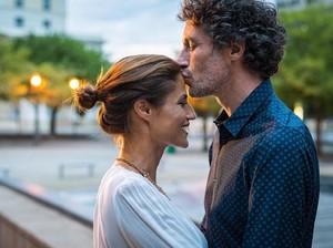 Sstt...Ciuman dengan Pasangan Ternyata Punya 4 Manfaat Tersembunyi Ini