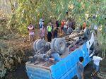 Truk Pengangkut Pasir Terjun ke Sungai di Sragen, Sopir Tewas