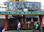 Halte Komplek SDN Depok Jaya Dipenuhi Coretan