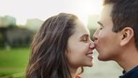 Viral Pria Tulis Pesan Cinta Mengharukan di Uang Kertas, Dicari Netizen