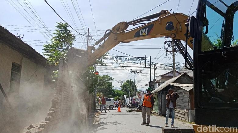 40 Bangunan di Palu Dirobohkan untuk Proyek Jembatan V