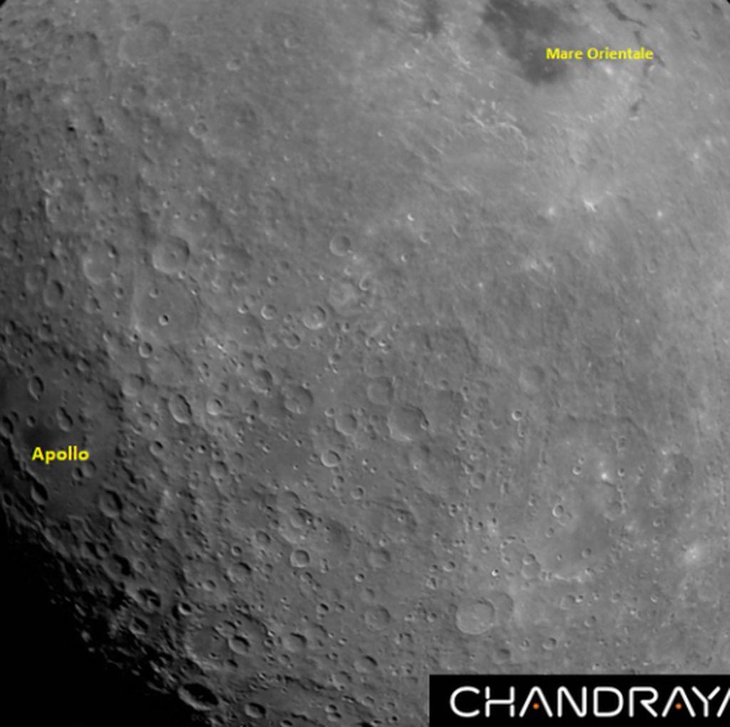 Pesawat Antariksa India Pamer Foto Pertama Bulan