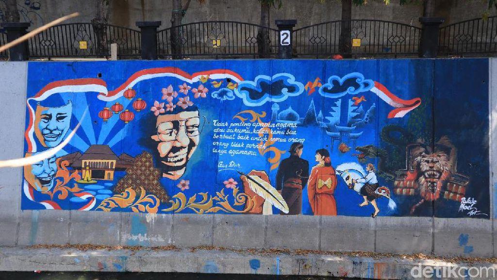 Foto: Mural Sarat Toleransi di Kali Pepe Solo