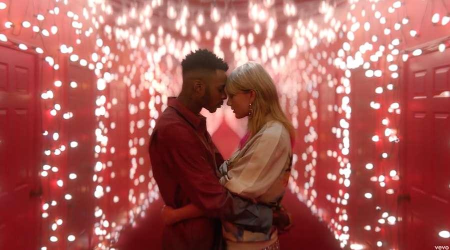 Lover Disebut Jadi Kode Taylor Swift untuk Para Fans