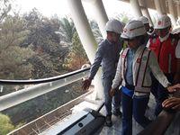 Menteri BUMN Rini Soemarno Tinjau LRT Jabodebek