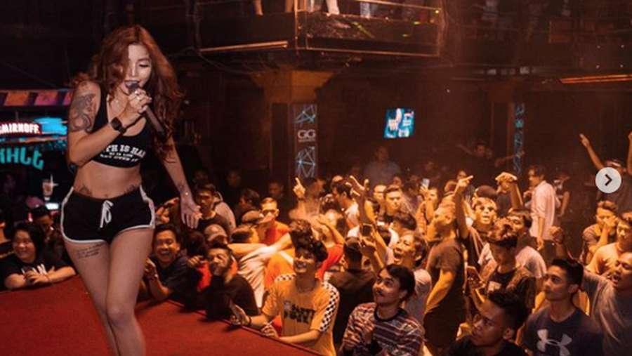 Lihat Penampilan DJ Verny Hasan saat Nge-DJ Yuk!