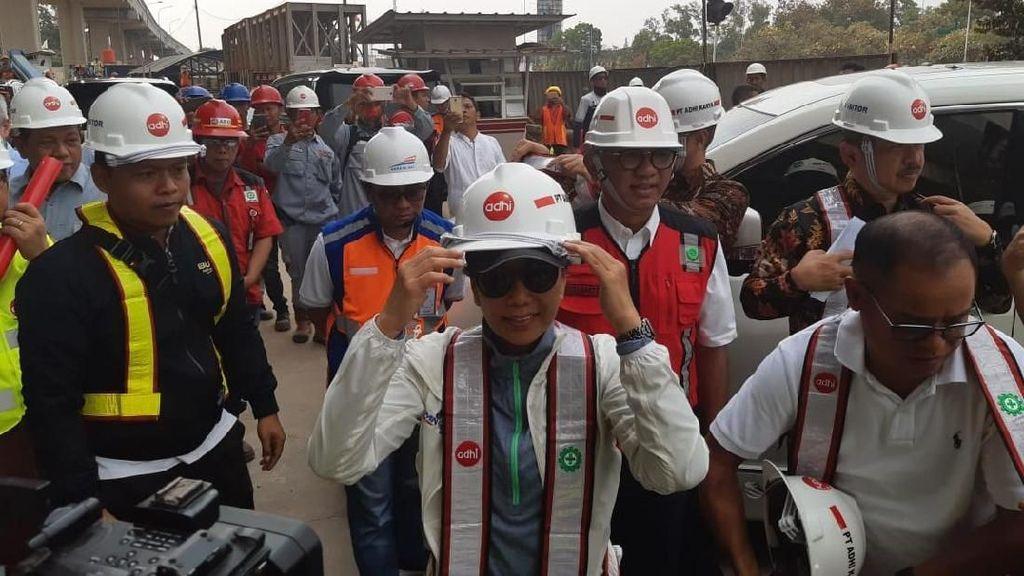 Rini Cek Proyek LRT Jabodebek yang Mau Diuji Coba