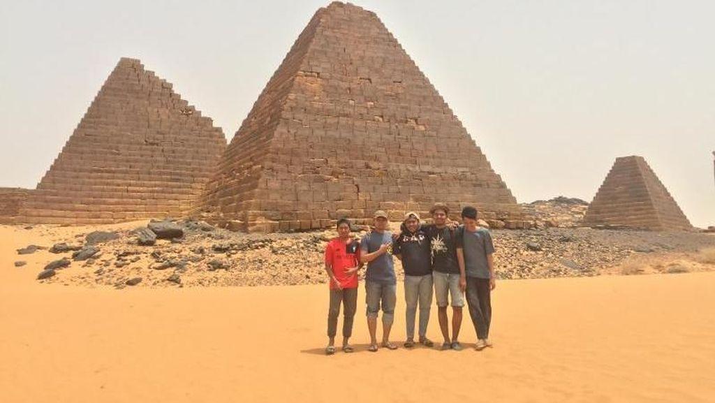 Melihat Langsung Piramida di Sudan