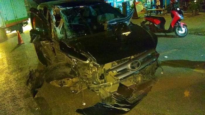 kecelakaan di Ring Road Cengkareng (Foto: dok. TMC Polda Metro Jaya)