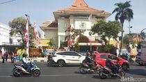 Water Canon dan K9 Diterjunkan Jelang Pelantikan Anggota DPRD Surabaya