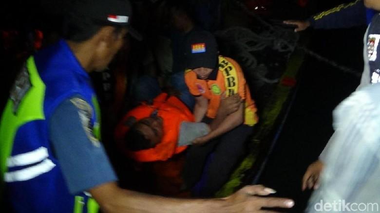 Begini Cerita Penumpang Selamat Saat KM Santika Nusantara Terbakar