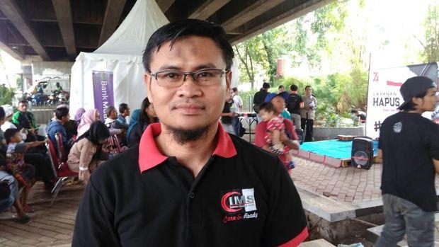 Direktur Islam Medical Service (IMS) Imron Faizin (38).