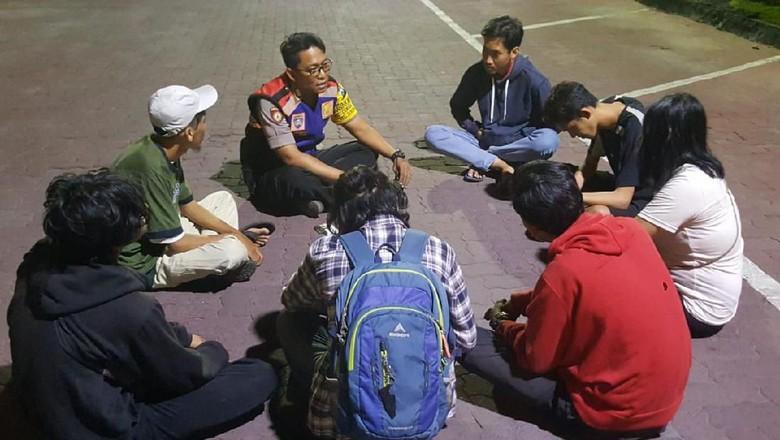 Nekat Datang ke Surabaya, Tiga The Jakmania Dipulangkan Polisi