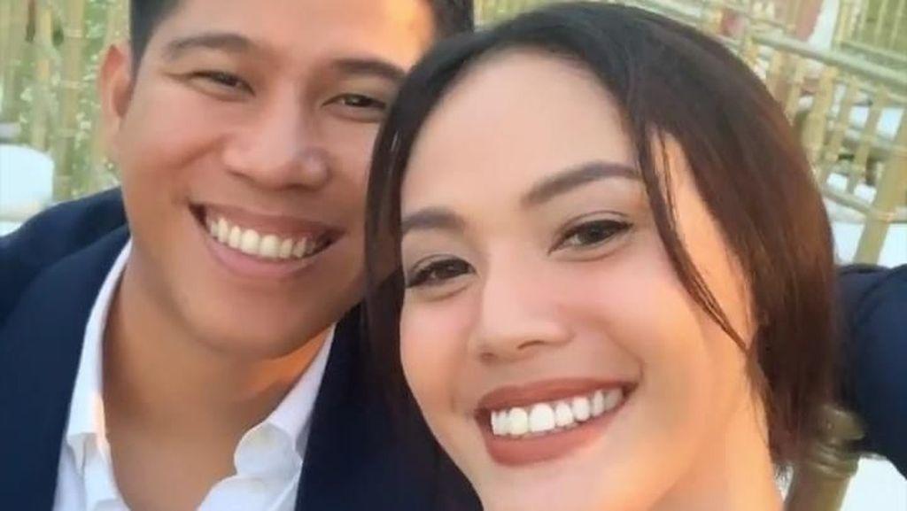 Cie... Nino Kayam Datang ke Pernikahan Asta dengan Della Dartyan