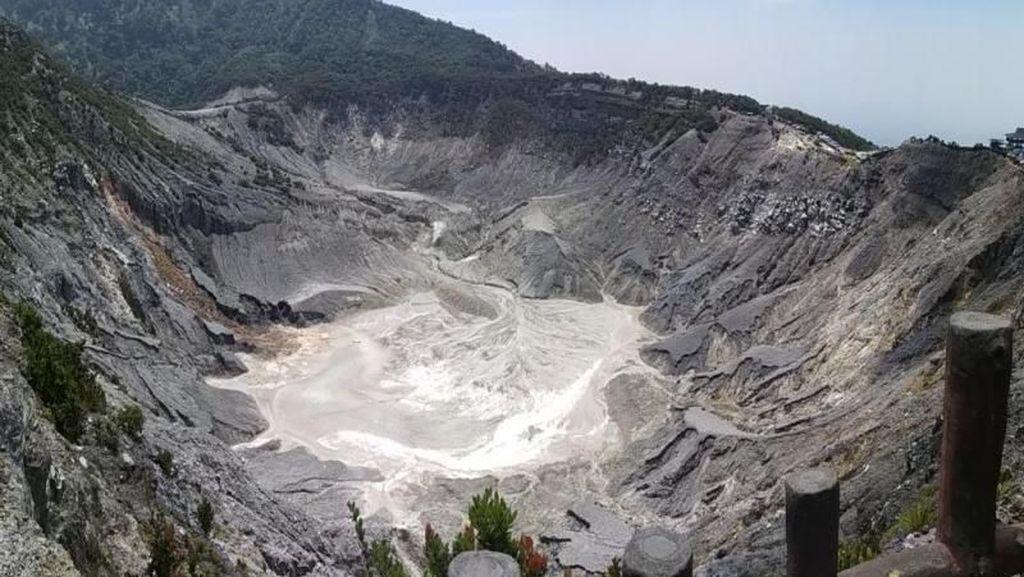 Pedagang Desak PVMBG Turunkan Status Gunung Tangkuban Perahu