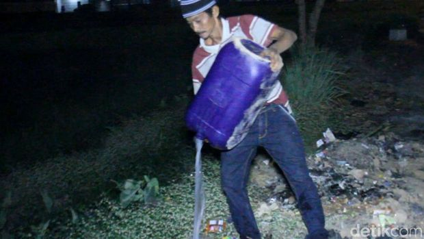 Ratusan Warga Majalaya Geruduk Kios Miras, Polisi Amankan Pemilik