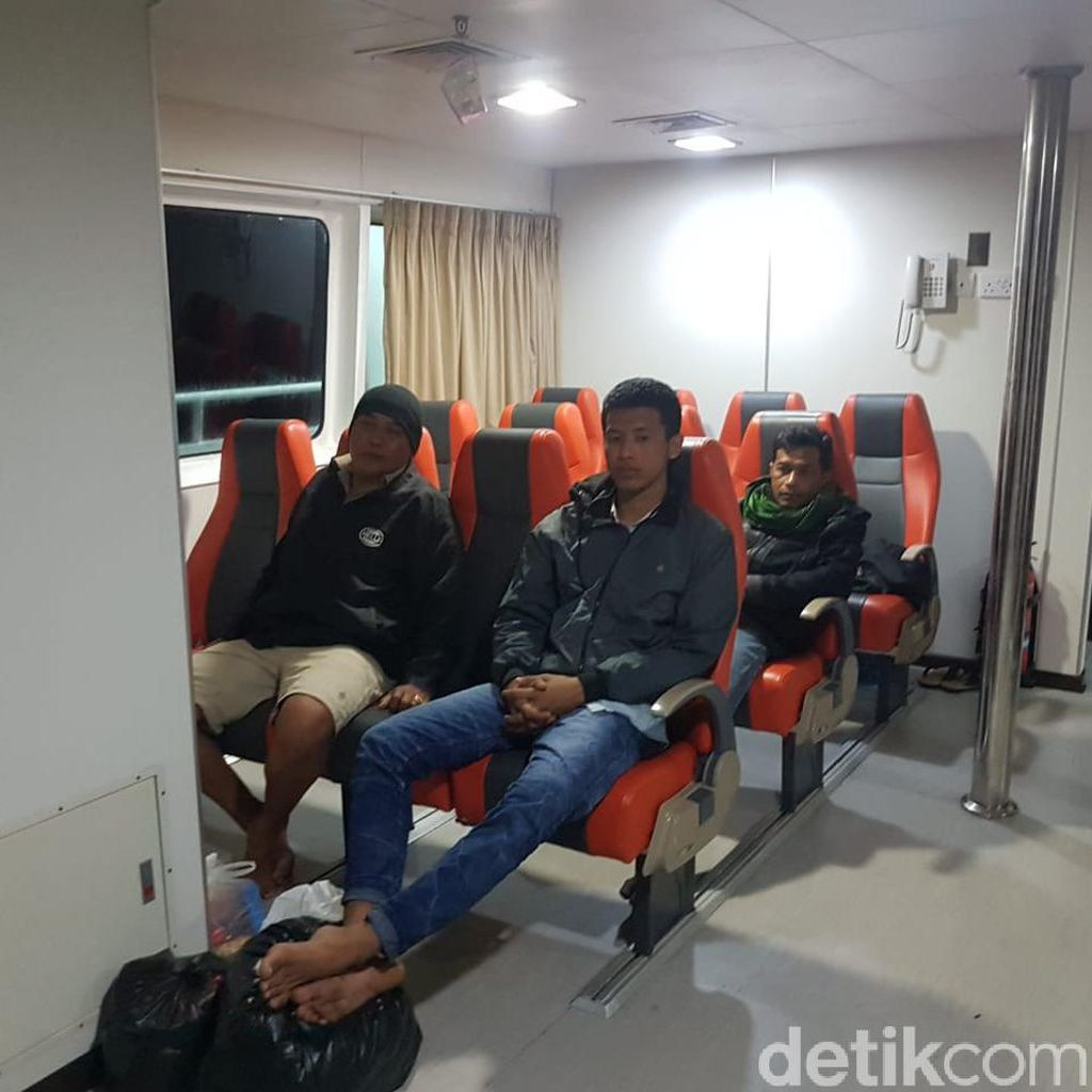 5 Korban Selama KM Santika Nusantara Tiba di Pelabuhan Tanjung Perak