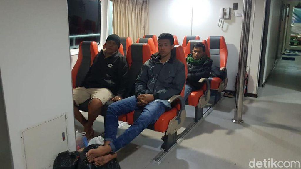 5 Korban Selamat KM Santika Nusantara Tiba di Pelabuhan Tanjung Perak