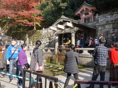 Kuil Kiyomizudera dan Air Mancur Pembawa Keberuntungan