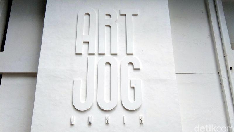 Berlokasi di Jogja National Museum, Jl Ki Amri Yahya, No 1, Yogyakarta, ArtJog menampilkan karya seni dari senimn-seniman Indonesia yang menyela persoalan-persoalan manusia yang dituangkan dalam karya seni (Tasya/detikcom)