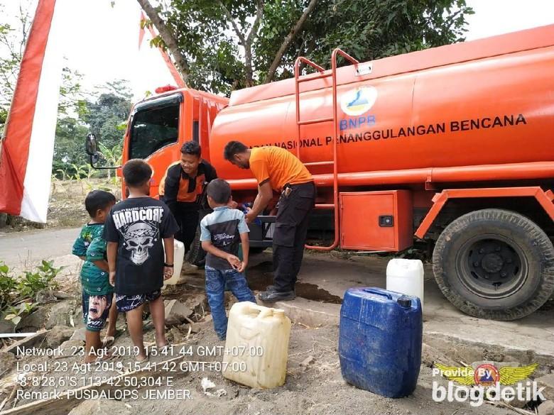 Puluhan Warga di Jember Krisis Air Bersih