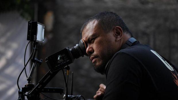 Joko Anwar menulis dan menggarap 'Gundala' berdasarkan komik Hasmi.