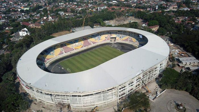 Progres pembangunan Stadion Manahan Solo kini sudah mencapai 98%.