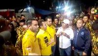 Massa pro-Bamsoet mendatangi kantor DPP Golkar dini hari tadi.