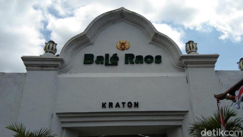 Jika mau mencoba masakan khas Keraton Yogyakarta, kamu bisa datang ke Bale Raos. Di sini ada makanan dan minuman favorit Sultan. (Tasya/detikcom)