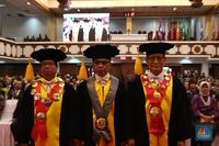 Selamat! Bos OJK Womboh Santoso Diangkat Jadi Guru Besar UNS