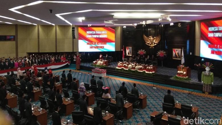 Ketua DPRD DKI Sapa Anies dan Ahok di Pelantikan, Hadirin Tepuk Tangan