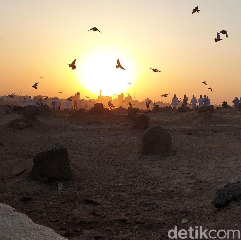 Ziarah ke Baqi Ketika Matahari Sejengkal Jari