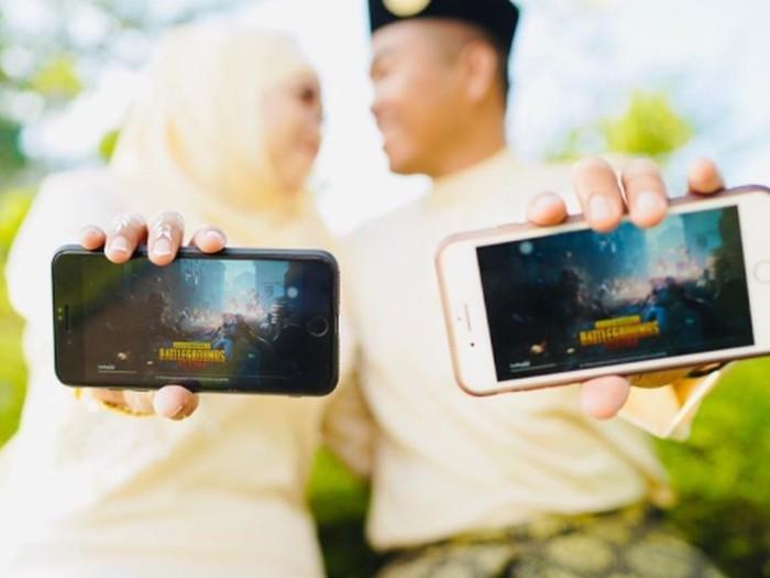Pasangan polisi wanita dan tentara yang pertama bertemu lewat PUBG.Foto: dok. mStar