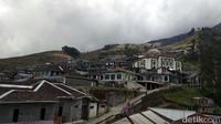 Buat traveler yang datang dari luar kota, disarankan agar ekstra hati-hati karena kondisi jalan yang menanjak. Selamat datang di Nepal, eh Magelang. (Eko Susanto/detikcom)