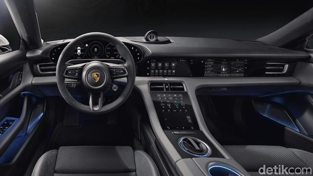 Interior canggih Porsche Taycan