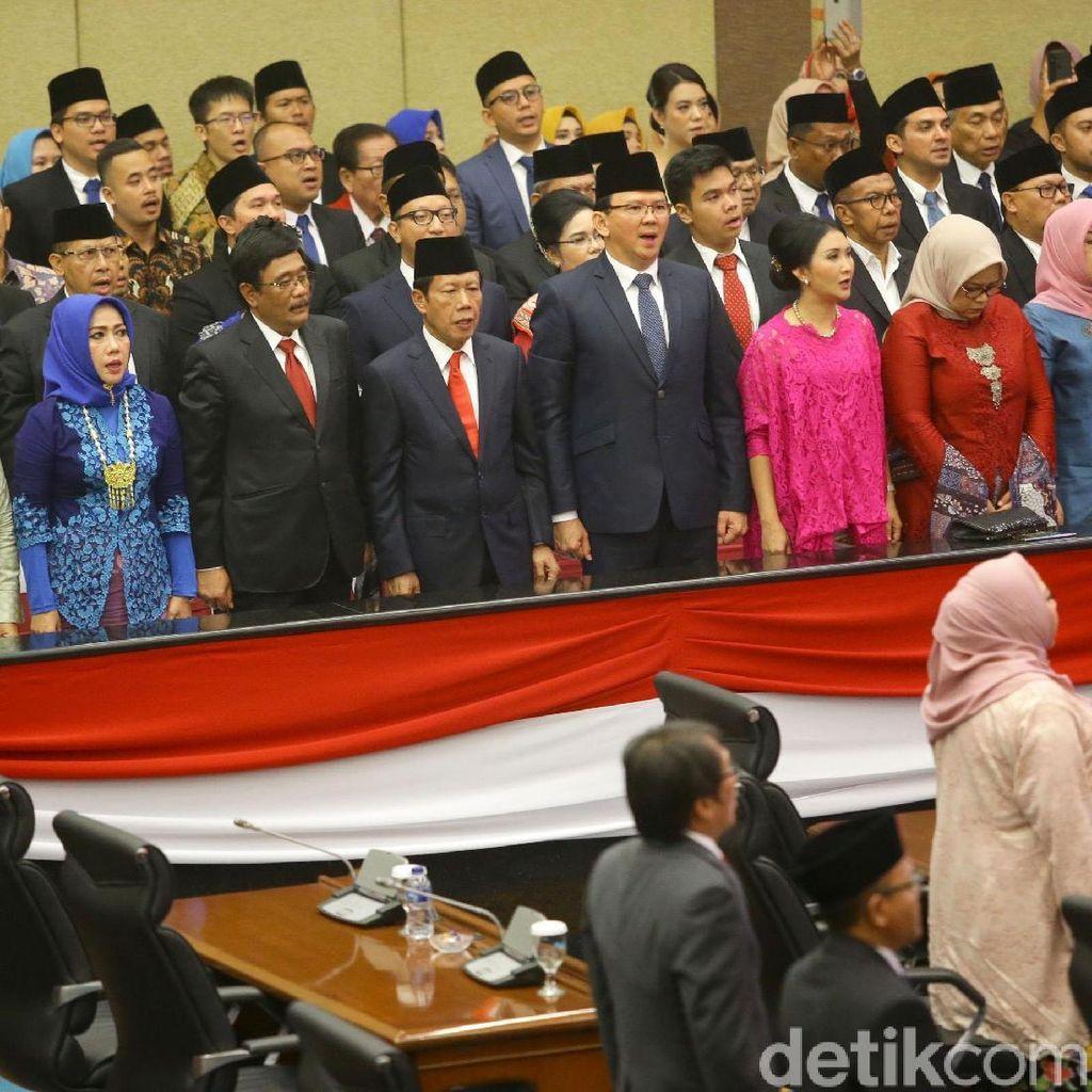 Tepuk Tangan Meriah Kala Anies Sapa Ahok-Djarot di DPRD DKI