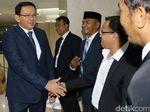 Momen Ahok Hadiri Pelantikan Anggota DPRD DKI
