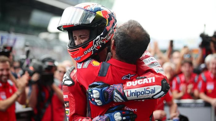 MotoGP - Austrian Grand Prix - Red Bull Ring, Spielberg, Austria - August 11, 2019   Ducati Teams Andrea Dovizioso celebrates after winning the MotoGP race   REUTERS/Lisi Niesner