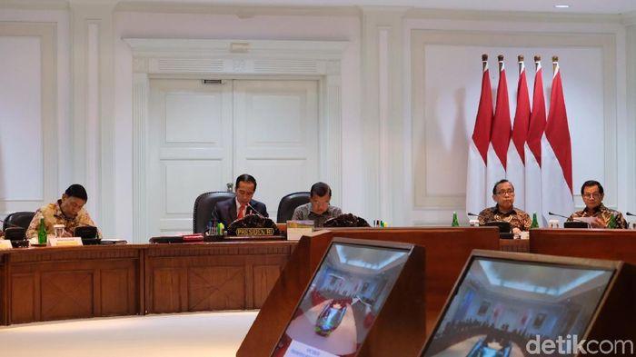 Presiden Jokowi pimpin ratas PON 2020 Papua, Senin (26/8/2019). (Andhika Prasetia/detikSport)