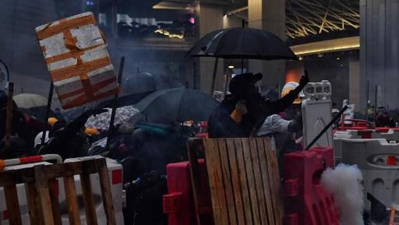 Pertama Kali, Polisi Hong Kong Letuskan Tembakan di Aksi Demonstrasi