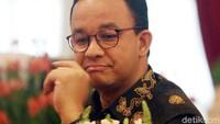 Sebelumnya Anies juga sempat menghadiri pelantikan anggota DPRD DKI Jakarta yang baru. Anies hadir sebagai perwakilan dari Pemprov DKI Jakarta.