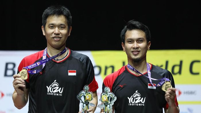 Mohammad Ahsan (kanan) diguyur bonus dengan total Rp 550 juta. (dok. Humas PBSI)