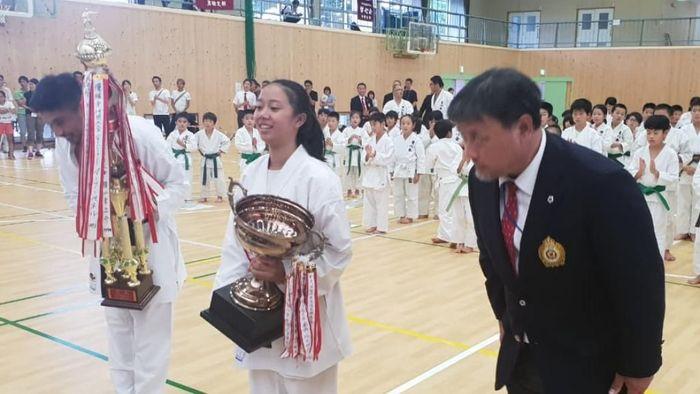 Silvani Anjelia Siswa SMAN 1 Cicalengka, Kabupaten Bandung, Jawa Barat menyabet gelar juara dunia All Japan Open Tournament Kei Sin Kan 2019. (istimewa)
