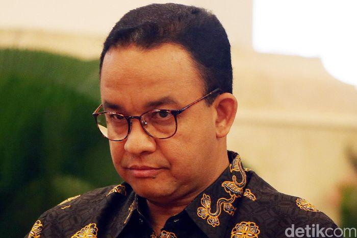 Presiden Joko Widodo (Jokowi) mengumumkan lokasi ibu kota baru di Istana Kepresidenan Jakarta Pusat. Jokowi turut mengundang Anies.