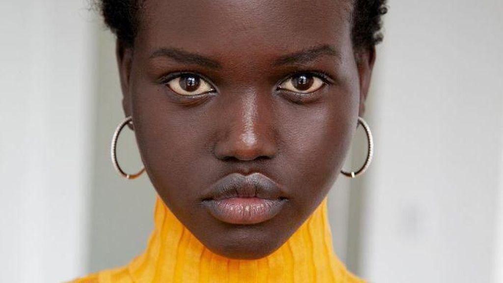 Model Australia Asal Sudan Marah karena Majalah Muat Foto yang Salah