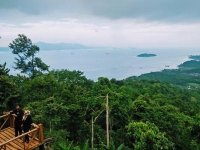 Menikmati Keindahan Pesisir Lampung dari Ketinggian