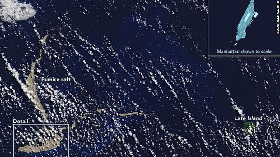 Kumpulan batu apung seukuran Pulau Manhattan, New York, AS diyakini akan membantu memulihkan Great Barrier Reef. Separuh karang di sana terbunuh dalam beberapa tahun terakhir sebagai akibat dari perubahan iklim (CNN)