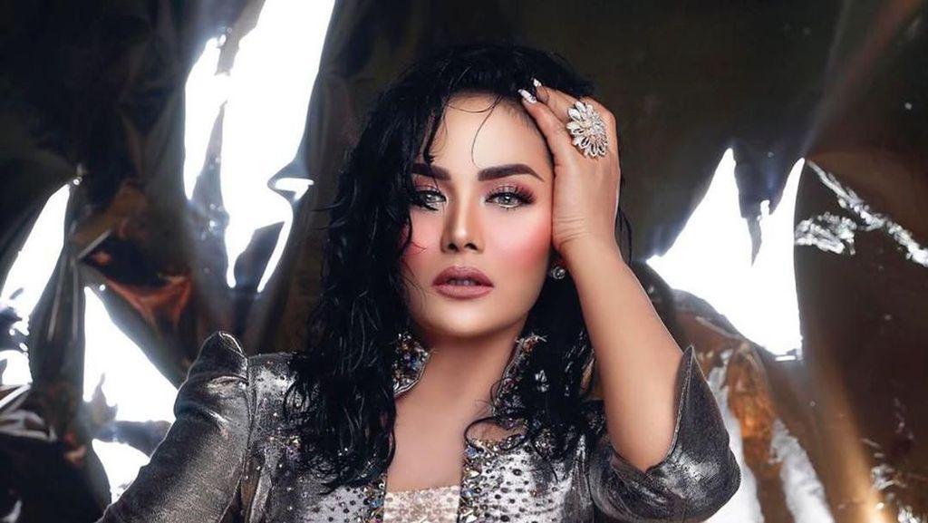 Krisdayanti Tampil Glamour Bersinar, Netizen Sebut Mirip Michael Jackson