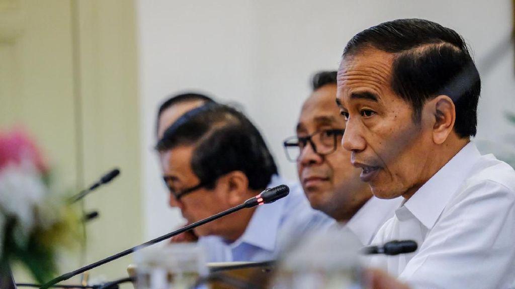 Jokowi Curhat Sulitnya Tarik Pajak di RI